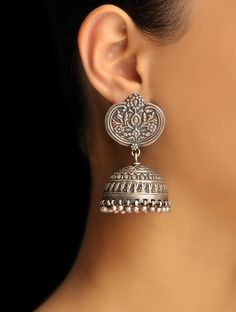 silver metallic jhumka for sarees Tribal Jewelry, Metal Jewelry, Indian Jewelry, Antique Jewelry, Jewelry Art, Jewelry Design, Silver Jewelry, Silver Ring, Silver Accessories