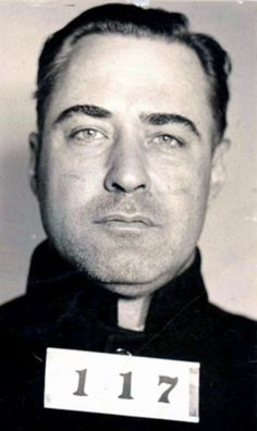 He was sent to Alcatraz for the kidnapping of Charles Urschel. Though his nickname is Machine Gun, he never killed anyone. His wife gave him the nickname to build him a reputation. Real Gangster, Mafia Gangster, Don Corleone, Bank Robber, Machine Gun Kelly, Machine Guns, Mug Shots, American History, Gangsters