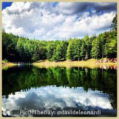 La #PicOfTheDay #turismoer di oggi ci porta alle pendici del Monte #Cimone, tra faggi e abeti, a fare un #picnic sulle sponde del #Lago della Ninfa. Complimenti e grazie a @Davide Leonardi