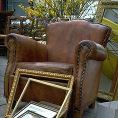 Fauteuils en cuir sur pinterest meubles c tiers chaises for Entretien d un salon en cuir