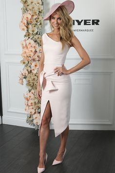 Jennifer Hawkins 2014. Love the dress cut, style and colour.