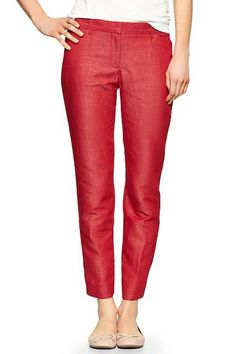 Cropped, poppy-hued, and high-waisted versions of breezy trousers to wear now through September. Summer Work Wear, Spring Work Outfits, Summer Suits, Formal Pants Women, Slacks For Women, Cute Pants, Business Outfits, Business Clothes, Linen Pants
