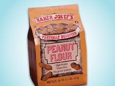 All-purpose white flour has approximately 95 grams of carbohydrates per cup while peanut flour has about 21 grams of carbohydrates for the same amount of de-fatted peanut flour. Peanut flour contains 31 grams of protein per cup. Apple And Peanut Butter, Peanut Butter Recipes, Peanut Butter Cookies, Flour Recipes, Baking Recipes, Real Food Recipes, Peanut Flour, Overnight Oatmeal, Protein Cookies