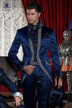 Traje de novio semilevita de raso azul con pedrería plata y cuello Mao, modelo 1309 Ottavio Nuccio Gala colección Barroco 2015.
