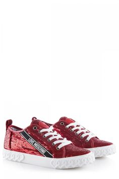 Love Moschino Damen Sneaker mit Pailletten Rot | SAILERstyle Outfit, Moschino, Sneakers, Shoes, Fashion, Bedrooms, Sequins, Red, Bags