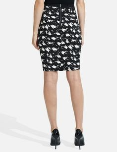 The exposed zipper is a great extra touch on this skirt.