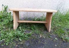 Mały drewniany zydel, ryczka 267