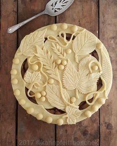 """28 Likes, 2 Comments - Elle Farn (@elle_farn) on Instagram: """"Harvest Time Repost from @karinpfeiffboschek #pie #pielover #baking #instabake #homebaker…"""""""