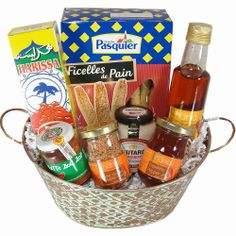 Spicy Hot Gourmet Gift Basket - Large - http://spicegrinder.biz/spicy-hot-gourmet-gift-basket-large/