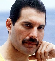Freddie Mercury in Rio, 1985 Freddie Mercury Quotes, Queen Freddie Mercury, King Of Queens, Roger Taylor, Queen Love, Somebody To Love, Queen Band, John Deacon, Killer Queen