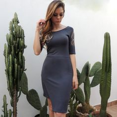 vestido-cinza-assimetrico-mangas-vazadas-brilho-recorte