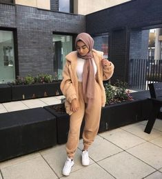 Sweat suits sporty hijab styles – Just Trendy Girls Modest Fashion Hijab, Modern Hijab Fashion, Street Hijab Fashion, Casual Hijab Outfit, Hijab Fashion Inspiration, Islamic Fashion, Muslim Fashion, Fashion Outfits, Modesty Fashion