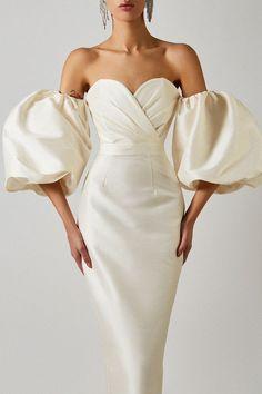 Bridal Dresses, Prom Dresses, Formal Dresses, Elegant Dresses, Pretty Dresses, Looks Style, Classy Outfits, Dress To Impress, Designer Dresses