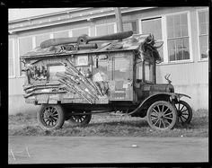 "1928 Brockton Fair. Travel house ""Checkers""."
