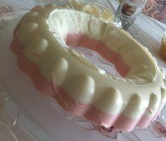 Consciente a tu mamá con esta deliciosa receta de gelatina de yoghurt!!