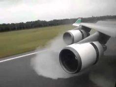 ボーイング Boeing 747-400 着陸時の逆噴射!! Landing and Reverse Thrust. - YouTube