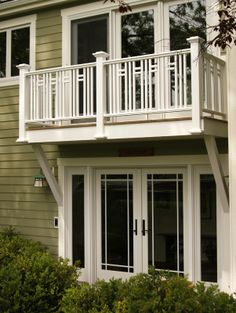 Patio doors and an interesting 2nd story deck