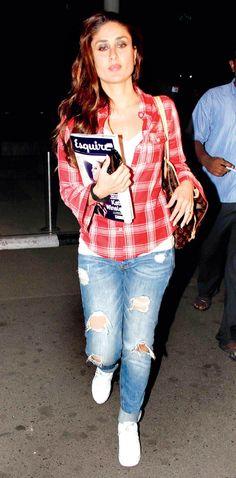 Kareena Kapoor at Mumbai airport. Bollywood Outfits, Bollywood Fashion, Bollywood Actress, Bollywood Girls, Fashion 2017, Star Fashion, Indian Fashion, Fashion Outfits, Fashion Beauty
