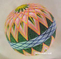 てまり「菊曼荼羅」緑地桃花 10cm 手まり 手毬 手鞠|その他インテリア雑貨|てまり - ねこ|ハンドメイド通販・販売のCreema