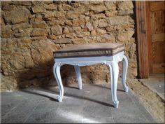 Antik bútor, felújított neobarokk zsámoly