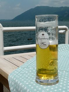 Half Full Berg, Pint Glass, Austria, Mugs, Tableware, Dinnerware, Cups, Beer Glassware, Dishes