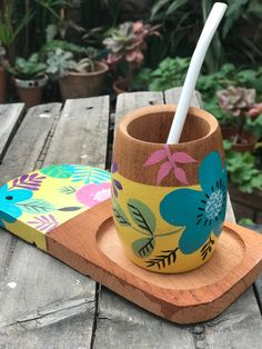 Diy Home Crafts, Crafts To Do, Wood Crafts, Arts And Crafts, Pots D'argile, Painted Pots, Diy Projects To Try, Flower Decorations, Diy Gifts