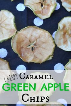 Caramel Green Apple Chips – Make the Best of Everything Caramel Apple Slices, Cinnamon Apple Chips, Caramel Apples, Dehydrated Apples, Dehydrated Food, Yummy Snacks, Healthy Snacks, Healthy Recipes, Easy Recipes