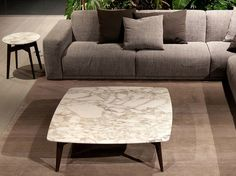 Square marble coffee table BIGGER by Poliform | design Carlo Colombo