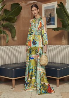 Get inspired and discover Silvia Tcherassi trunkshow! Shop the latest Silvia Tcherassi collection at Moda Operandi. Fashion Mode, Fashion 2020, Look Fashion, Fashion News, Fashion Show, Womens Fashion, Fashion Design, Fashion Trends, Evening Dresses