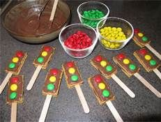 "traffic light cookies - cute snack for ""transportation"" theme"