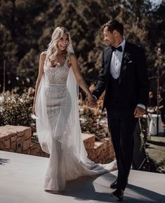 Tips For Planning The Perfect Wedding Day – Divine Bridal Used Wedding Dresses, Wedding Dress Styles, Bridesmaid Dresses, Wedding Pics, Wedding Bells, Summer Wedding, Ibiza Wedding, Bridal Gowns, Wedding Gowns