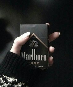 Discovered by Vogue Première. Find images and videos about vogueza, black and marlboro on We Heart It - the app to get lost in what you love. Guzma Pokemon, Rauch Fotografie, Malboro, Black Cigarettes, Cigarette Aesthetic, Smoke Photography, Black And White Aesthetic, All Black Everything, Aesthetic Grunge