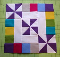 Around the Block tutorial-posted by Tammie.A trio of pinwheels surrounded by sweet squares. In no time at all, you have a sweet block of your own. Easy Quilt Patterns, Pattern Blocks, Quilting Ideas, Easy Quilts, Mini Quilts, Green Quilt, Quilting For Beginners, Hand Quilting, Quilt Blocks