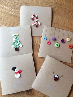 Custom Christmas cards handmade with buttons and buttons- Individuelle Weihnachtskarten handgemacht mit Knöpfen und Schleife. 6 Designs Custom Christmas cards handmade with buttons and bow. Button Christmas Cards, Christmas Buttons, Christmas Card Crafts, Christmas Cards To Make, Holiday Crafts, Christmas Cards Handmade Kids, Christmas Doodles, Christmas Trees, Button Cards