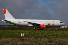 EI-EUA A320 VivaAerobus  departing to Dublin after painting by Eirtech, Shannon Airport 18/03/2014 Photo by EI-GJB