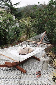 hammock with moroccan decor in bay area backyard. / sfgirlbybay