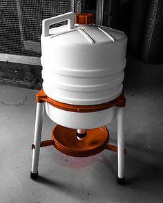 Enorme 28 litros Trípode bebedor de pollo sifón (pollo gallina Chook Aves de Corral)