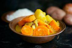 Saltado de papas y zanahorias al curry / Platos principales / Guisos / HazteVeg.com