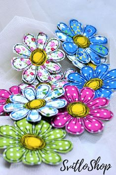 Fabric daisy brooch Set Flowers calico Textile art single flower pin Fabric flower jewelry Handmade floral brooch Gift idea for women Brooches Handmade, Handmade Flowers, Handmade Jewelry, Handmade Headbands, Handmade Soaps, Handmade Rugs, Textile Jewelry, Fabric Jewelry, Textile Art