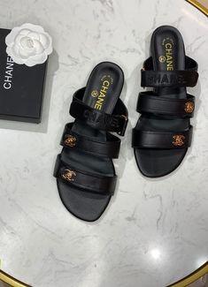 Chanel Brand, Pool Slides, Birkenstock, Slip On, Ladies Shoes, Sandals, Lady, Fashion, Moda