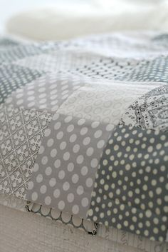 grey - quiet and soft feeling .... Day bed colors for office/guest sleeping