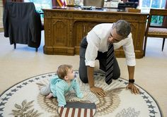 """The White House a Twitteren: """"Crawling race! #ObamaAndKids https://t.co/T1uS0N4C2m"""""""