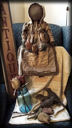 Primitive~Grungy Spring Black Prairie Doll, Robins and Tulips Grouping~Handmade #NaivePrimitive