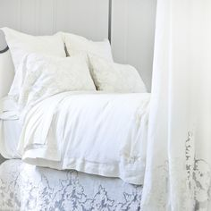 Pom Pom at Home Bedding Caprice Bed Scarf #laylagrayce