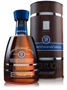 Ron Arehucas Añejo Reserva Especial 18 Jahre - Liter Vol. Cigars And Whiskey, Whiskey Drinks, Scotch Whiskey, Bar Drinks, Wine Drinks, Alcoholic Drinks, Rum Bottle, Liquor Bottles, Whiskey Bottle