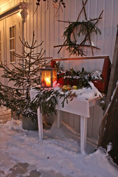 Christmas, Old toodbox, lantern greens and star :) VIBEKE DESIGN