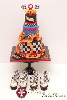 Hot Wheel Cake & Cupcakes