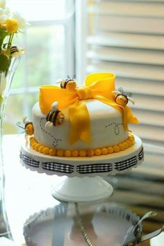 The Mother To Be Will Love A Bee Baby Shower Or Mommy