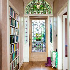 Stained glass door in hallway Beautiful Houses Inside, Beautiful Homes, Hall Furniture, Funky Furniture, Furniture Ideas, Best Front Doors, Hallway Decorating, Decorating Ideas, Decor Ideas