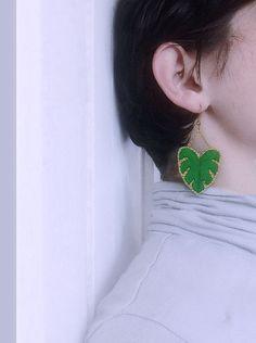 Boucles d'oreilles brodées végétal broderie plante par EnAvril